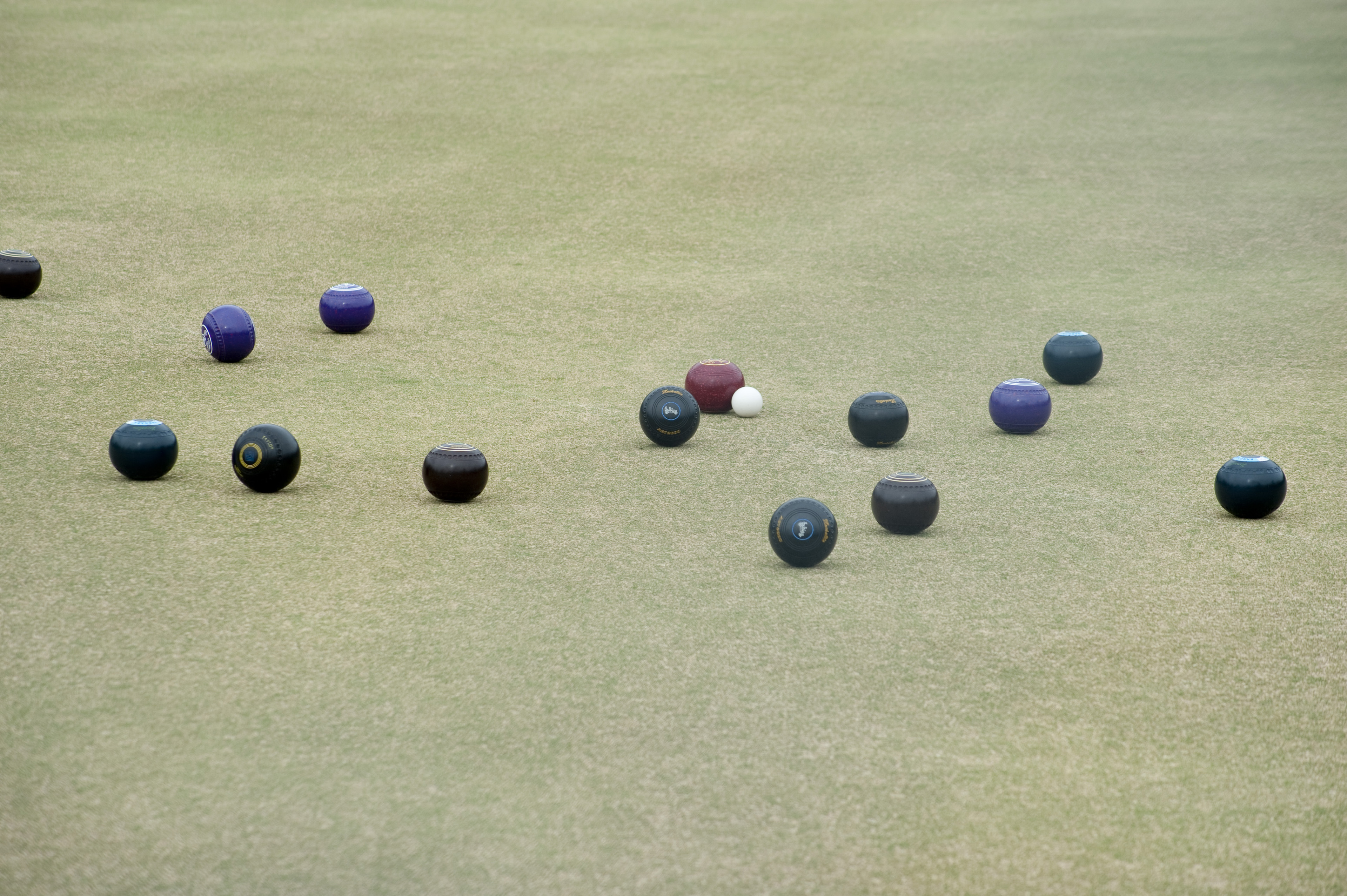 A game of lawn bowls in progress