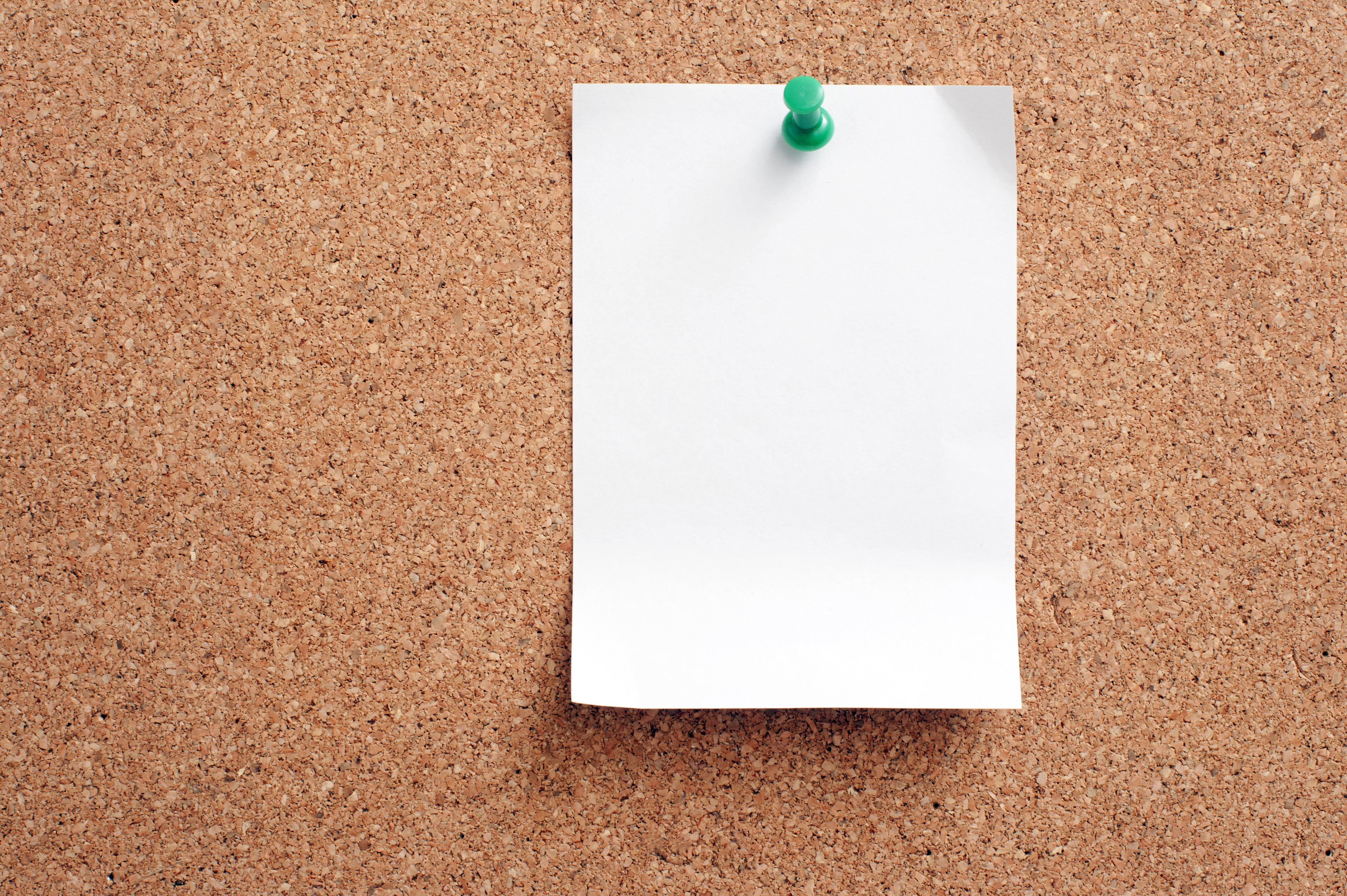 image of blank note paper pinned on cork board  freebie